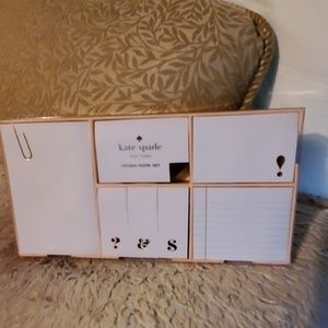 Kate Spade strike gold sticky note set. NWT